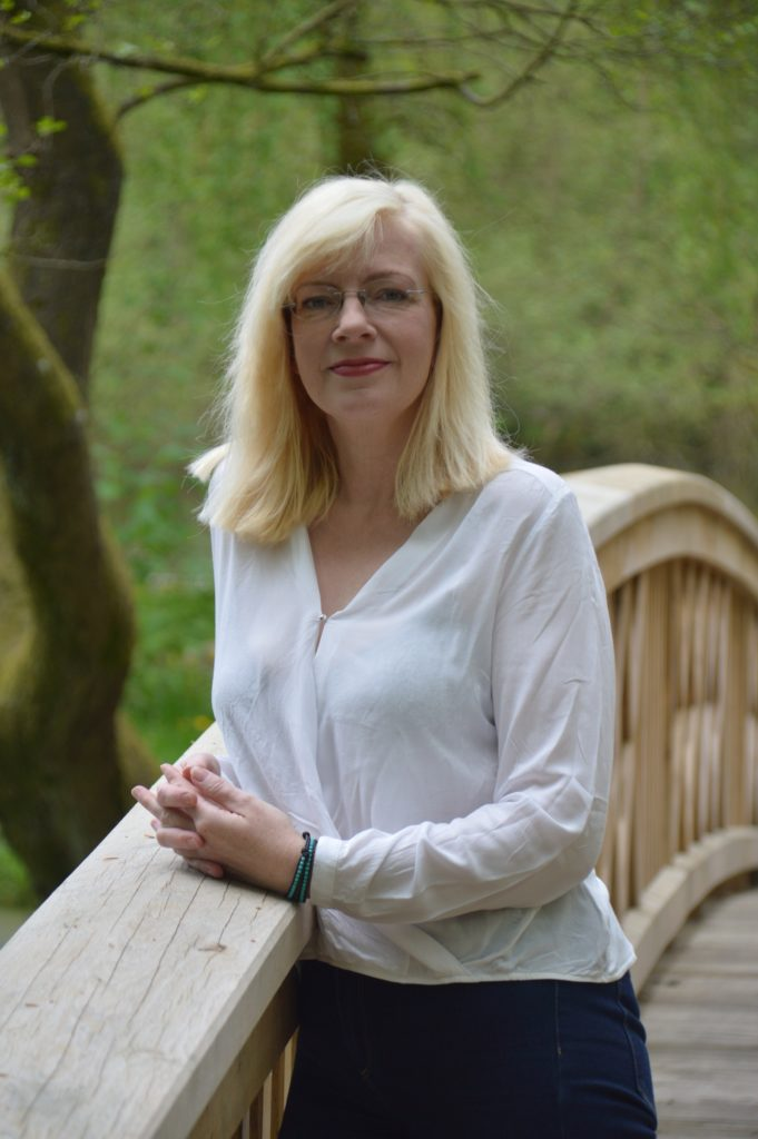 Laura Windmann - Oans, zwoa und zack, steit dat Christkind vör de Dör